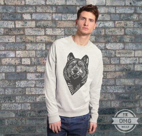 Свитер с волком