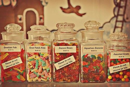 Баночки с конфетами в подарок