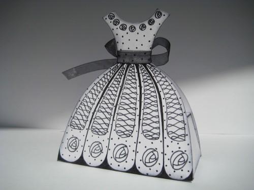 пакет в форме платья