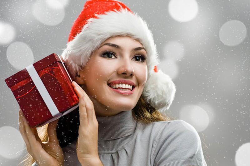 Что подарить жене на Новый год: порадуйте близкого человека!